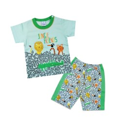 Jay Mummy Shop is an established kid's wear specialties that carries various brand of kids wear with high quality clothes. Not only dealing with kid's appearance, we do sell other accessories like: Bibs, Shoes, Stocking, Handkerchief and etc.